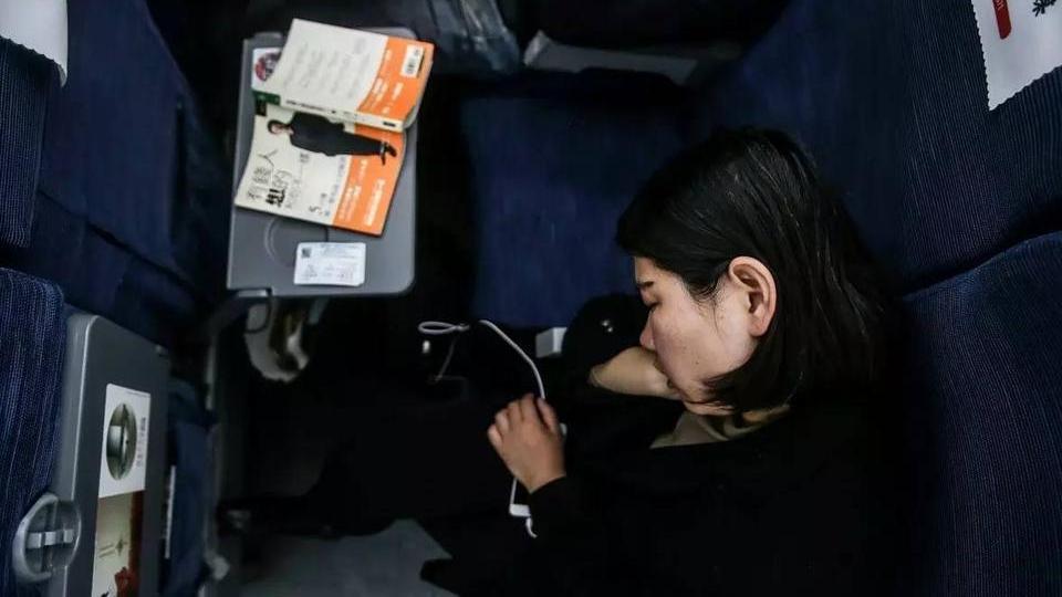5 heures par jour et près de 550 euros par mois pour aller au travail ! L'incroyable vie d'une habitante de Cangzhou