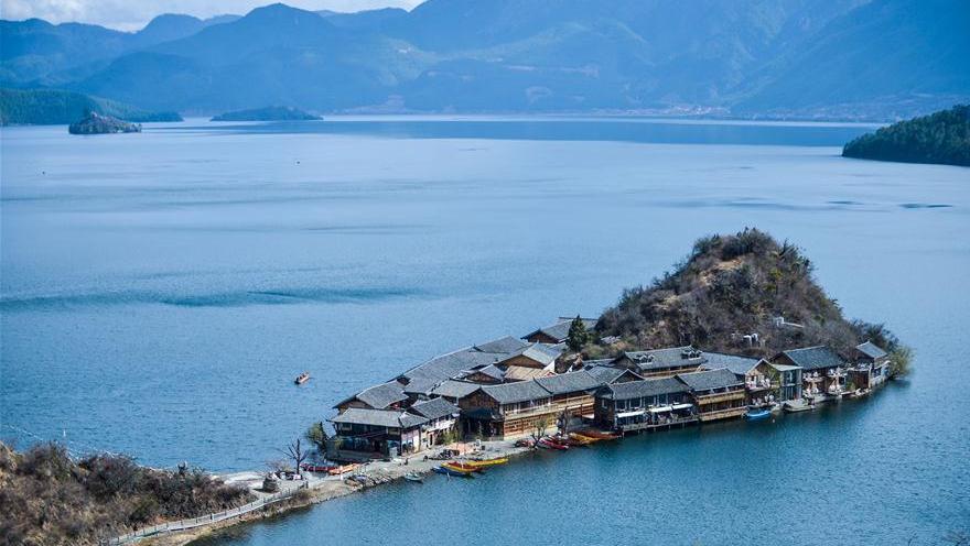 Les magnifiques paysages du lac Lugu, dans le Sud-ouest de la Chine