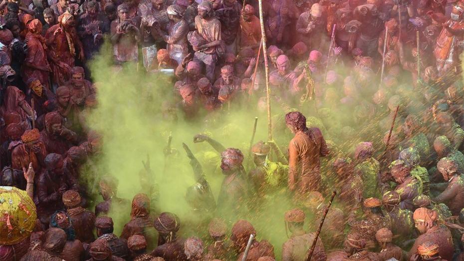Holi : les Indiens célèbrent la fête des couleurs