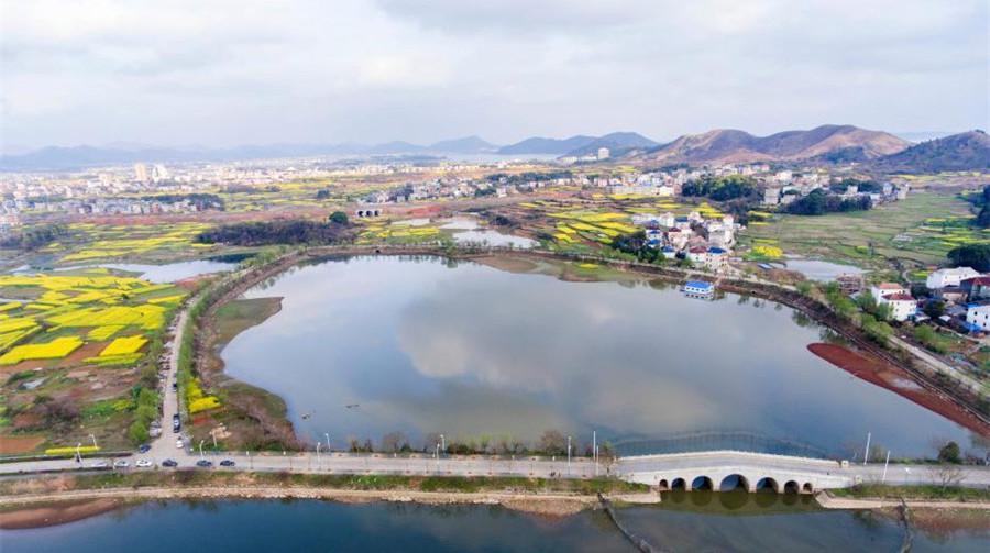 Jiangxi : le xian de Duchang au bord du lac Poyang vu du ciel