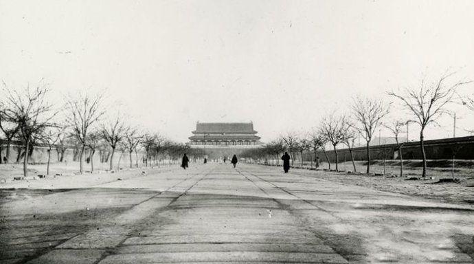 Beijing : quelques vieux clichés de la place Tian'anmen