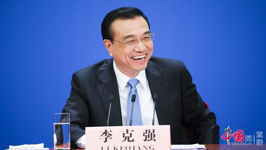 Li Keqiang rencontre les journalistes chinois et étrangers (vidéo)