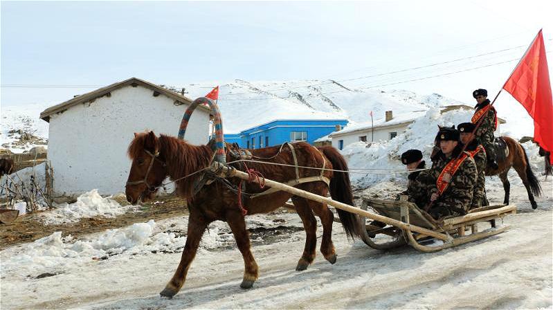 Xinjiang : ils transmettent les nouvelles de deux sessions en luge