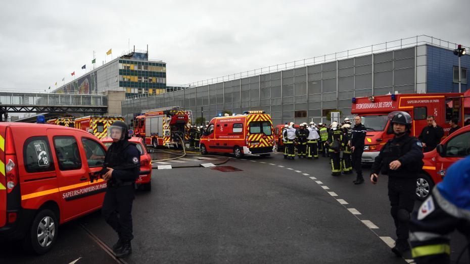 Un homme abattu à l'aéroport d'Orly après avoir dérobé l'arme d'un militaire