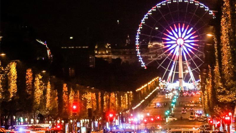Fusillade sur les Champs-Elysées : l'assaillant abattu et un policier tué