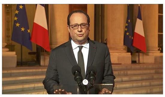 Fusillade sur les Champs-Elysées: les pistes qui peuvent conduire à l'enquête sont d'ordre terroriste (Hollande)