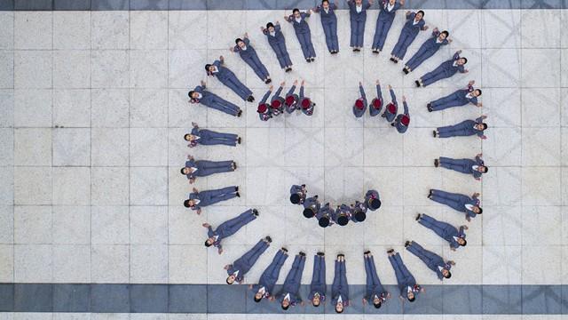 En images : la formation des hôtesses du TGV vue du ciel