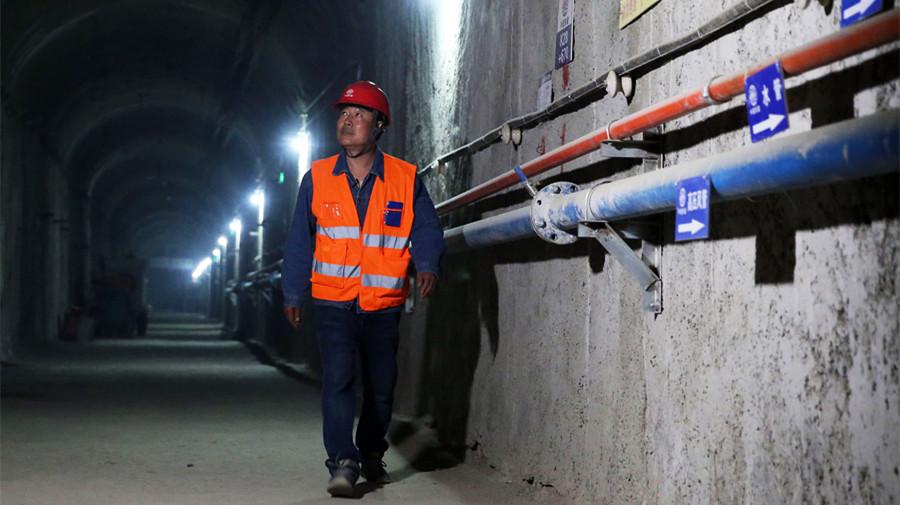 Dans les coulisses du métro de Beijing : la vie d'un ouvrier de la construction
