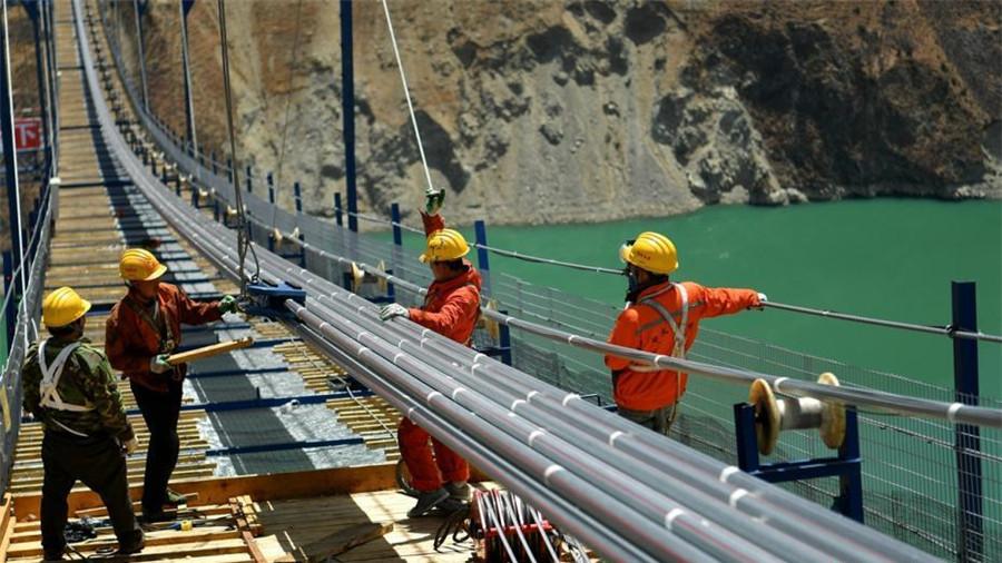 Découvrir de plus près la construction de l'autoroute Ya'an-Kangding
