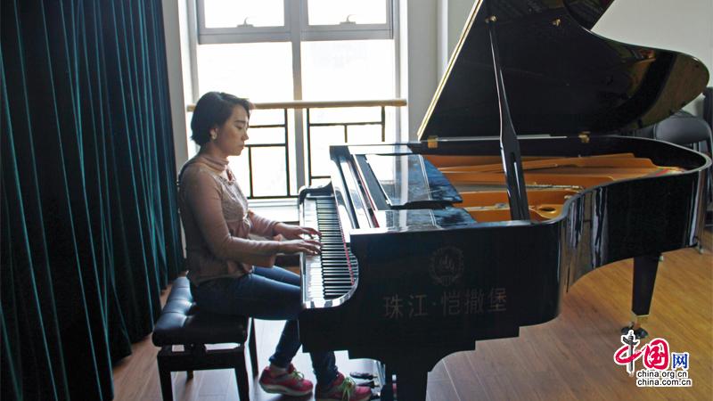 Interview de Li Fei, compositrice de l'hymne de la généralisation planétaire pour l'initiative « La Ceinture et la Route »