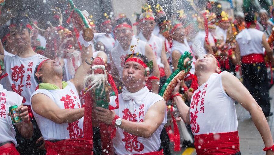 Les célébrations du festival du Dragon Ivre célébré à Macao