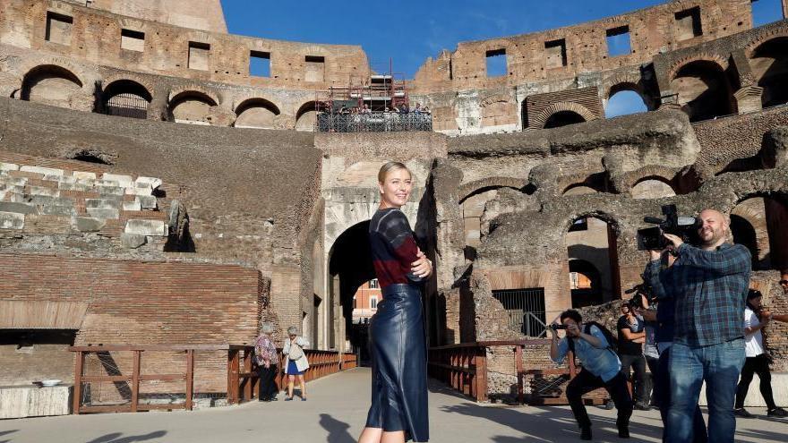 Maria Sharapova pose au Colisée de Rome