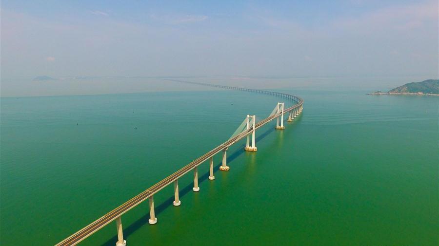 Guangdong : le fabuleux pont de Nan'ao qui franchit la mer