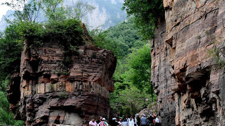 Henan : la grande gorge Hongyan Juebi du village de Guoliang