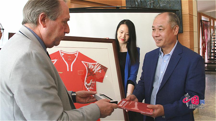 Li Ning va se rendre en Suisse pour promouvoir la coopération sportive