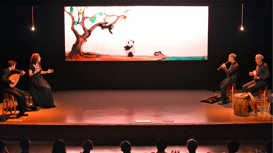 Le spectacle A quoi rêvent les pandas ?,combinaison parfaite du théâtre d'ombres chinoises et de la musique de la Renaissance