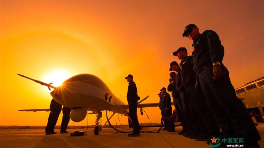 Les drones militaires chinois à l'entraînement