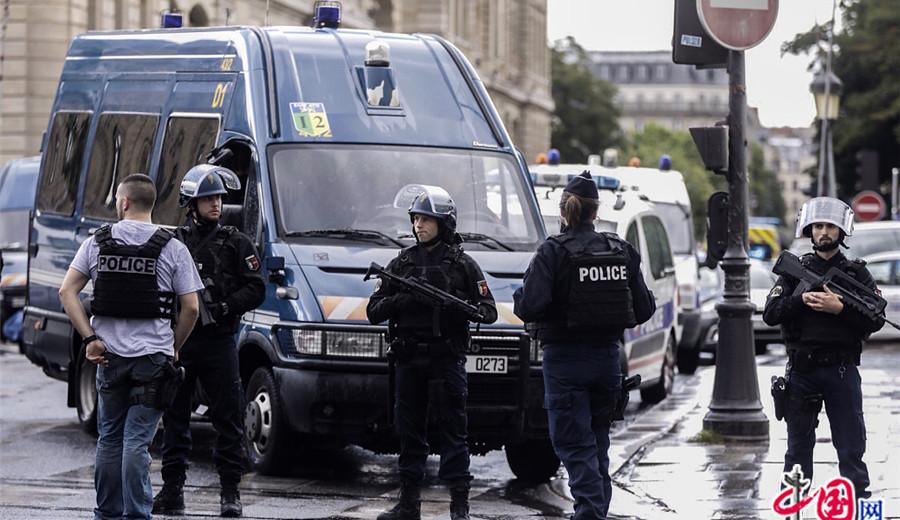 Un policier attaqué à Notre-Dame de Paris: enquête ouverte par le Parquet antiterroriste