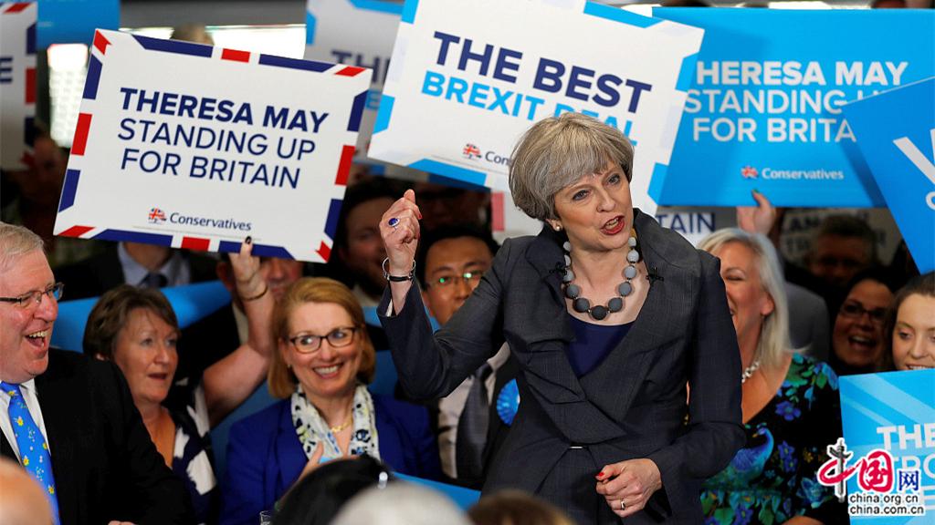 Royaume-Uni : les Britanniques élisent un Parlement sans majorité