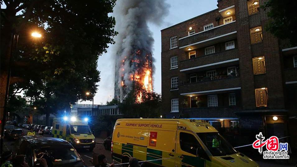 Incendie d'un immeuble de 27 étages à Londres