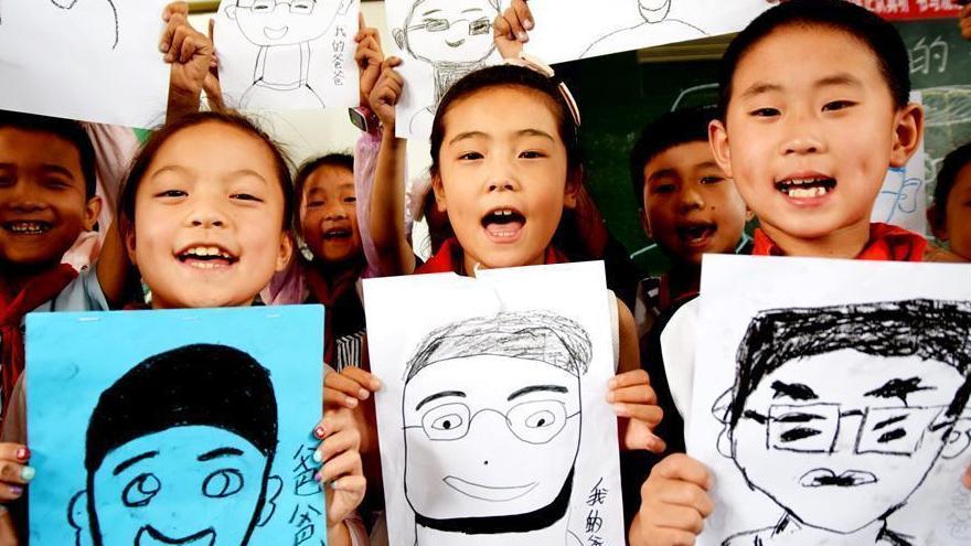 Les étudiants chinois célèbrent la fête des pères à travers tout le pays
