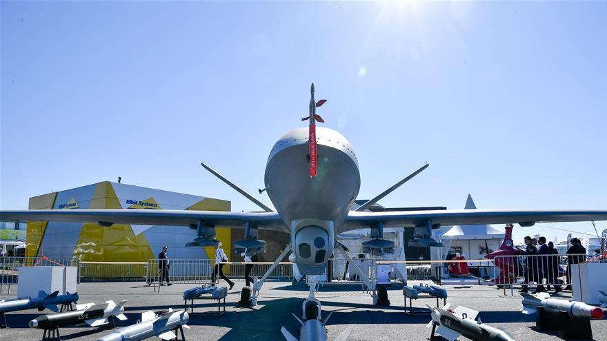 En images : les avions chinois du 52e Salon du Bourget