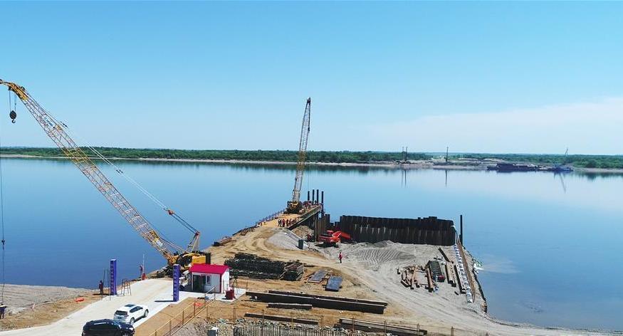 Galerie : le chantier de construction du pont sino-russe sur le fleuve Heilongjiang