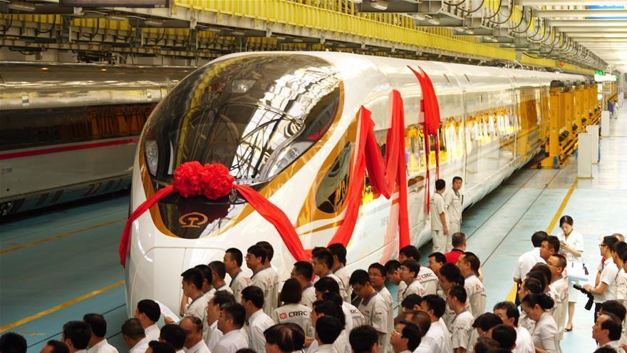 Cérémonie de présentation du train TGV CR400BF