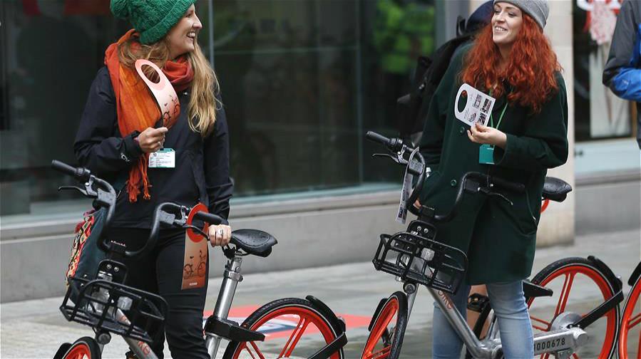 Mobike lance ses vélos en libre-service en Grande-Bretagne à Manchester