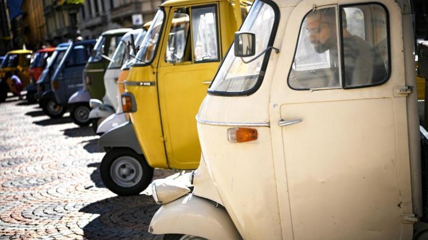 Italie : rassemblement de véhicules à 3 roues Piaggio Ape
