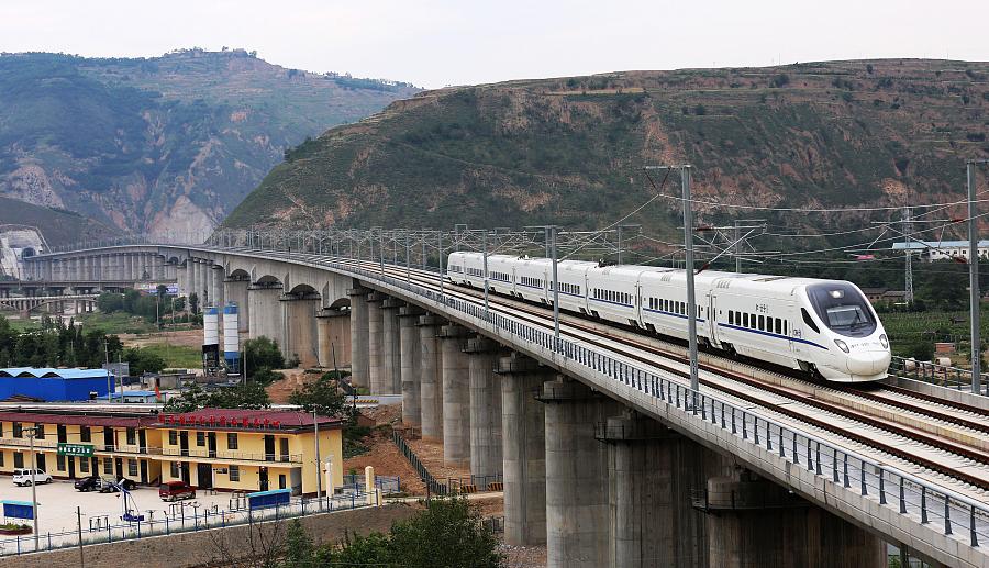 Le nord-ouest de la Chine enfin relié au reste du pays par un train à grande vitesse