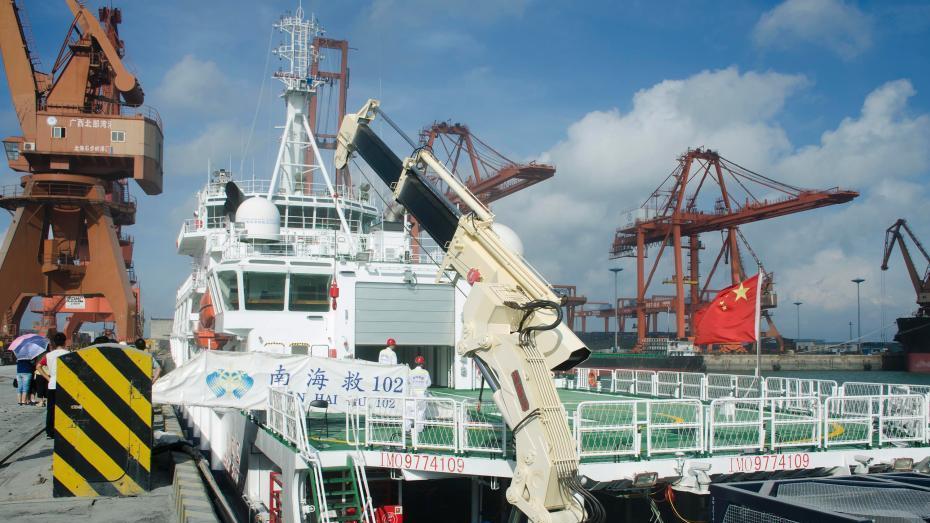 Visite à bord d'un navire de sauvetage chinois en mer de Chine méridionale