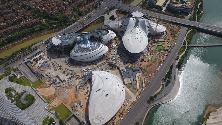 Chine : chantier d'un centre artistique et culturel à Changsha