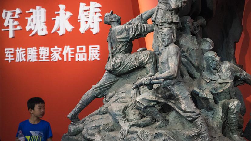 Exposition d'œuvres de sept sculpteurs militaires à Taiyuan
