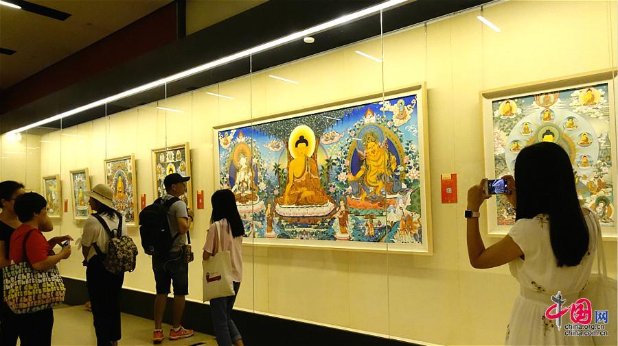 Vernissage d'une exposition de thangkas au musée national de Chine à Beijing