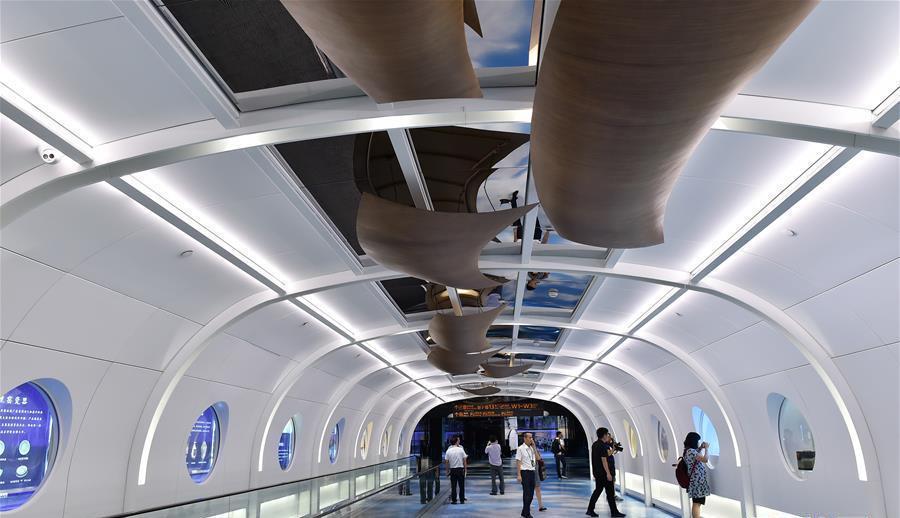 Guangzhou : une exposition sur la Route de la Soie à l'aéroport international de Baiyun