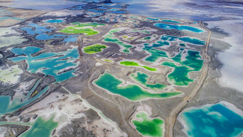 Le lac salé Qinghai et ses couleurs émeraude