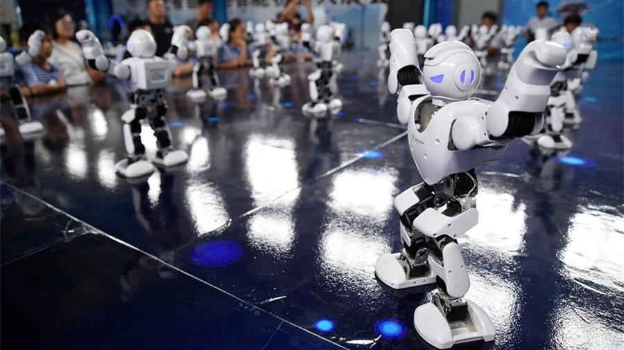 Des robots dansants fascinent les enfants du Hebei