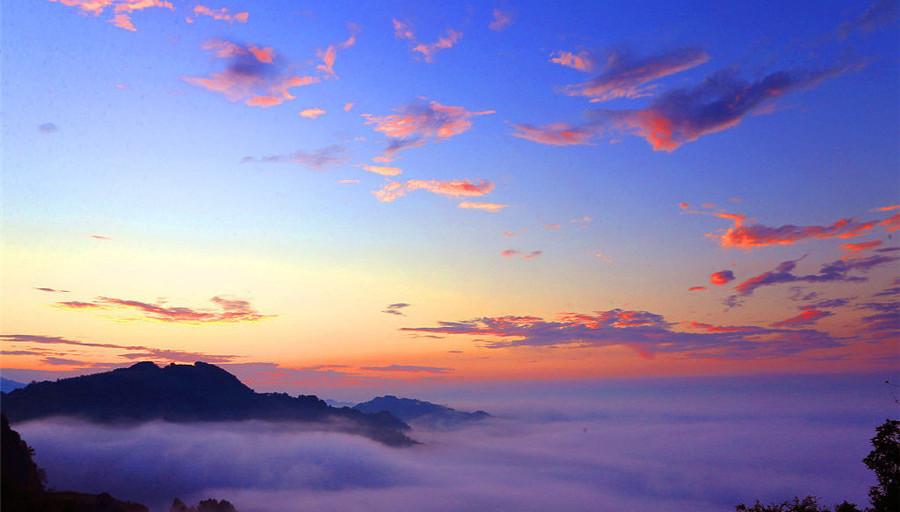 Anhui : les paysages magnifiques des monts Huangshan après des précipitations