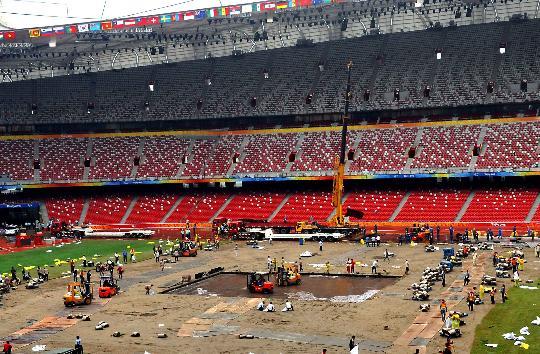 """Nach der Er?ffnungsfeier der Beijinger Paralympics hat es nur 31 Stunden gedauert, das Gesicht des Nationalstadions """"Vogelnest"""" zu wandeln, um es wieder für die Leichtathletikwettk?mpfe einsetzen zu k?nnen."""