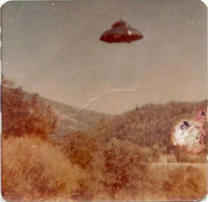 Eine wachsende Zahl von UFO-Sichtungen weltweit hat dazu geführt, dass Bürger verschiedener L?nder ihre Regierungen zu mehr Aufkl?rung und die Medien zu objektiver Berichterstattung auffordern.