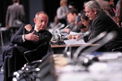 Der Exekutivsekretär der UN-Klimarahmenkonvention, Michael Zammit Cutajar, hat der Klimakonferenz im dänischen Kopenhagen einen offiziellen Entwurf für eine politische Vereinbarung vorgelegt.