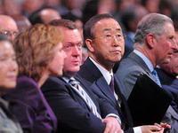 In Kopenhagen bleibt es turbulent. Die Industrieländer, denen China Trickserei vorwirft, mauern, die Entwicklungsländer wollen eine Verlängerung von Kyoto. Die Beratungen über ein neues Klimaschutzabkommen werden dennoch heute auf Ministerebene fortgesetzt.