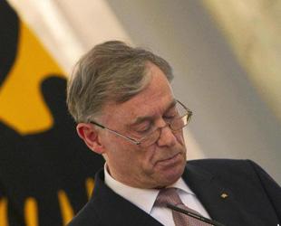 Bundespräsident Horst Köhler ist am 31. Mai von seinem Amt als Präsident der Bundesrepublik Deutschland zurückgetreten. Er reagierte damit auf die kritische Debatte zu seinen Aussagen bezüglich des Afghanistan-Einsatzes der Bundesrepublik.