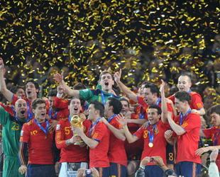 Mit 1:0 gewann Spanien das Finale der Fußball WM 2010 in Südafrika. Paul, die WM Orakel Krake hat wieder einmal recht behalten.
