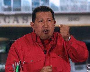 Der venezolanische Präsident Hugo Chavez verschob am Sonntag seine Kubareise. Der Grund: Es droht ein Militärangriff durch kolumbianische Truppen. Chavez beschuldigt die USA Kolumbien bei seinen Handlungen zu unterstützen.