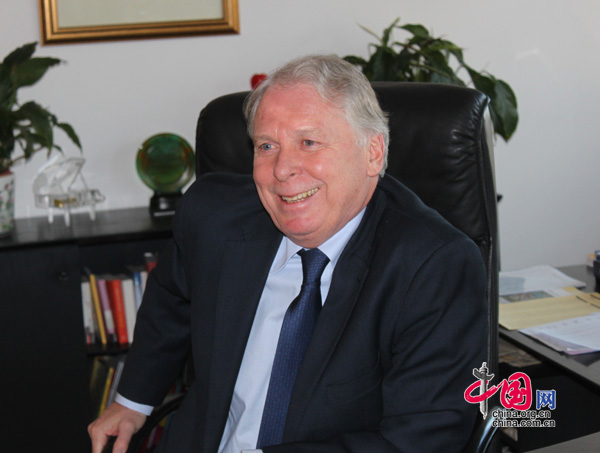 Deutschland will China als Partner helfen, seiner Verantwortung gerecht zu werden und Respekt vor internationalen Spielregeln zu zeigen, so Deutschlands Botschafter Dr. Michael Schaefer im Gespräch mit China.org.cn.