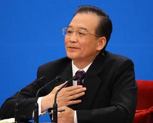 Am Mittwochvormittag hat die 5. Tagung des 11. Nationalen Volkskongresses (NVK) Chinas Ministerpräsident Wen Jiabao zu einer Pressekonferenz eingeladen. Dabei hat Wen Jiabao die Fragen in- und ausländischer Journalisten beantwortet.