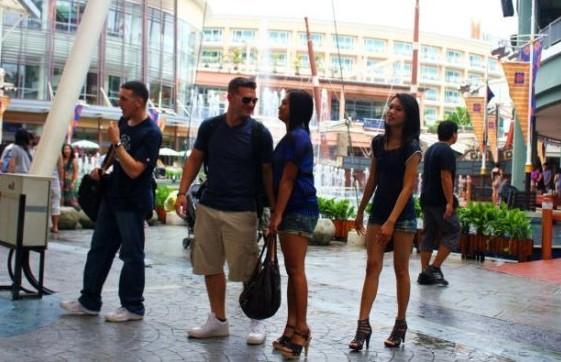 Kultur - german.china.org.cn - Thailand: Frauen zu mieten