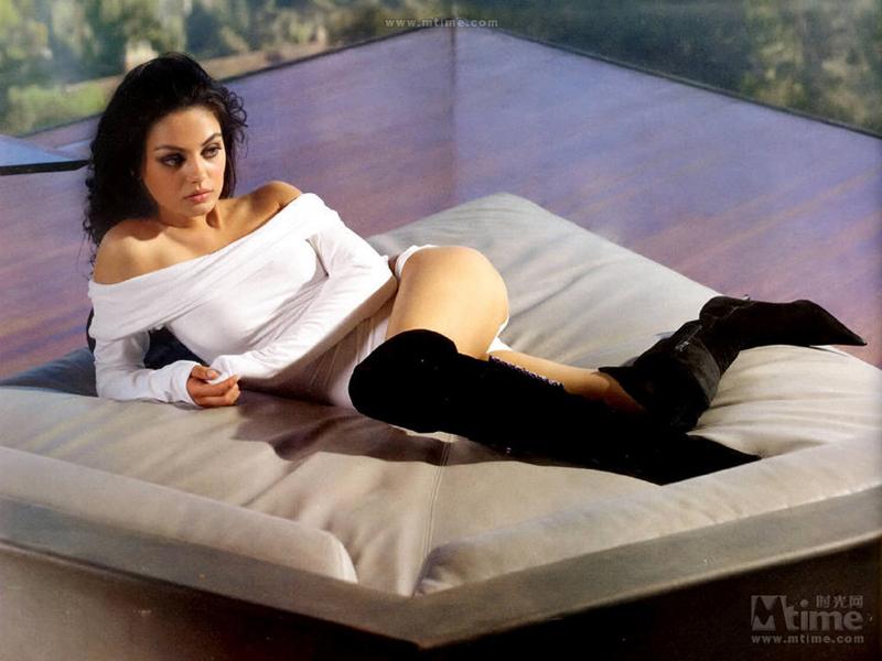 bilder maxim top 100 sexy frauen. Black Bedroom Furniture Sets. Home Design Ideas
